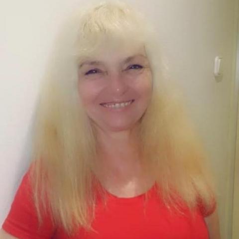 Gyöngyike, 61 éves társkereső nő - Szeged