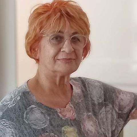 Erzsi, 72 éves társkereső nő - Szeged