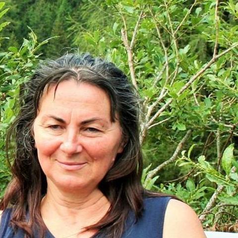 Léna, 67 éves társkereső nő - Eger