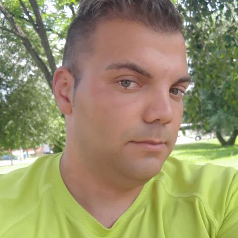 Sándor, 28 éves társkereső férfi - Sály