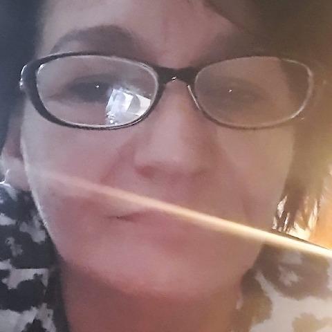 EMESE, 48 éves társkereső nő - Szombathely