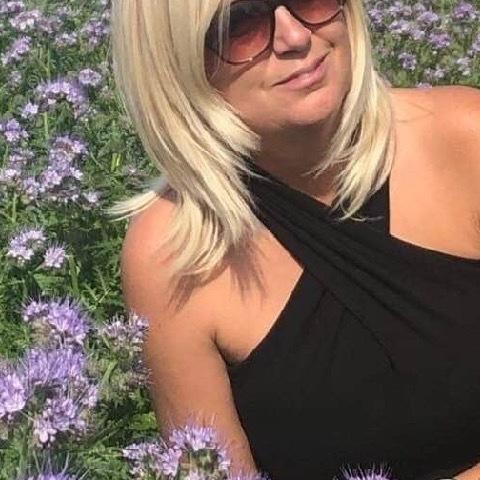 Zsuzsa, 46 éves társkereső nő - Veszprém