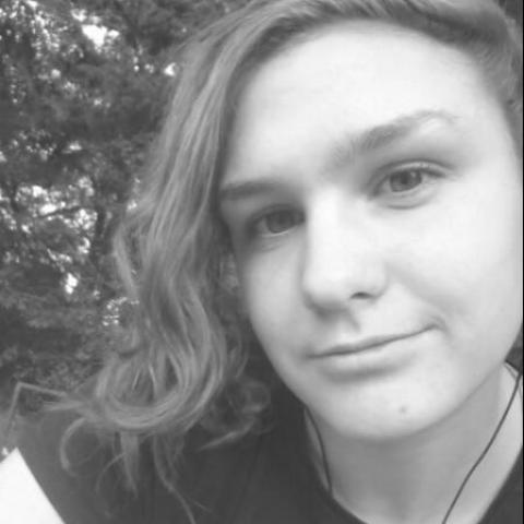 Nikol, 19 éves társkereső nő - VII.