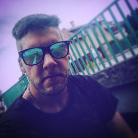 István, 24 éves társkereső férfi - Budakalász