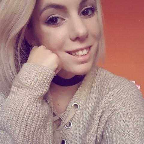 Liliána, 21 éves társkereső nő - Budaörs