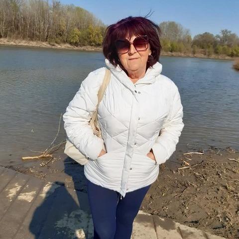 Katalin , 65 éves társkereső nő - Csongrád