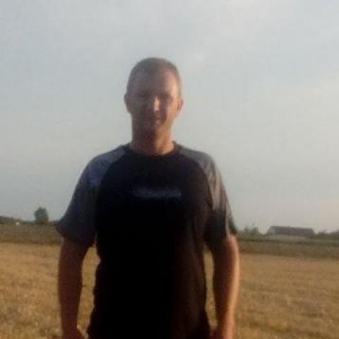 Attila, 41 éves társkereső férfi - Szarvas