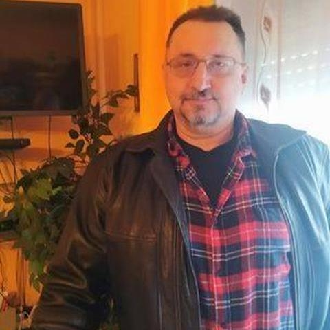 József, 55 éves társkereső férfi - Gyúró
