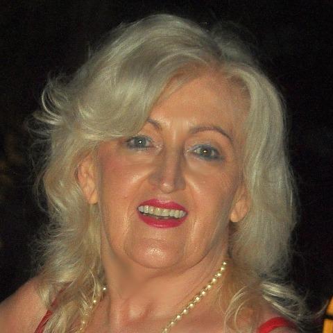Ditti, 69 éves társkereső nő - Debrecen