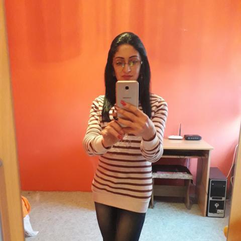 Renáta, 37 éves társkereső nő - Izsófalva