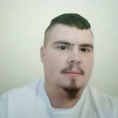 Csaba, 26 éves társkereső férfi - Esztár