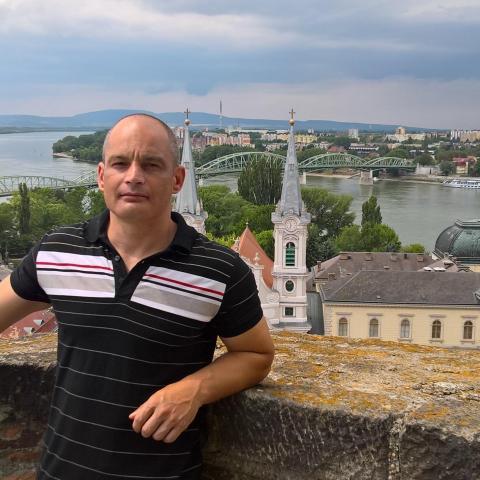 Zsolt, 41 éves társkereső férfi - Tiszacsege