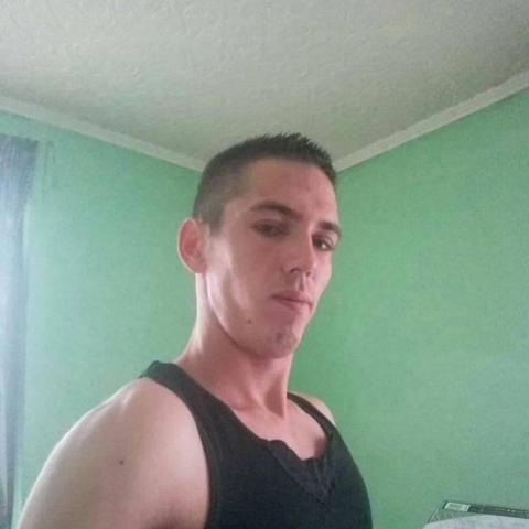 Zsolti, 26 éves társkereső férfi - Sülysáp