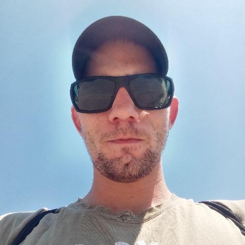Dávid, 24 éves társkereső férfi - Sárbogárd