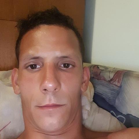 Zsolt, 30 éves társkereső férfi - Budapest