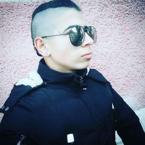 Szebasztián, 26 éves társkereső férfi - Tiszaújváros