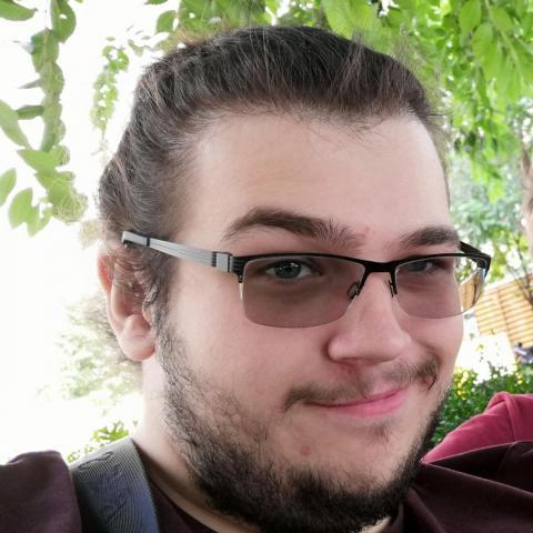 Levente, 22 éves társkereső férfi - Valkó
