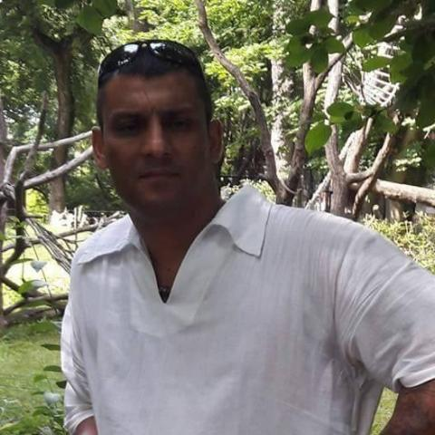 János, 43 éves társkereső férfi - Györköny
