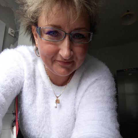 Kriszti, 48 éves társkereső nő - Székesfehérvár
