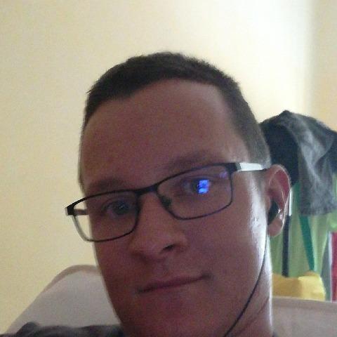 Viktor, 25 éves társkereső férfi - Szarvas