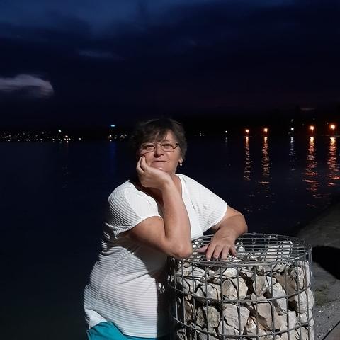 Erzsike, 64 éves társkereső nő - Debrecen