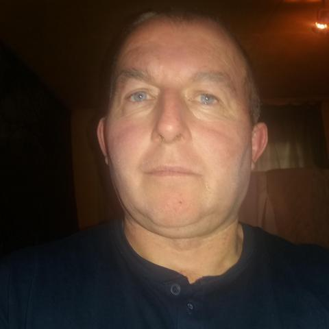 Gyula, 49 éves társkereső férfi - Miskolc