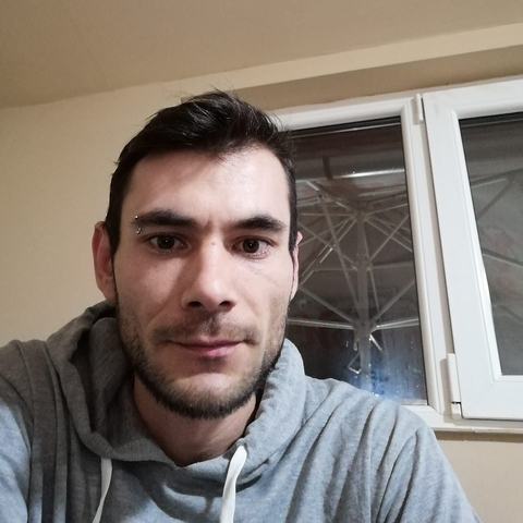 Zsolt, 30 éves társkereső férfi - Curtuișeni
