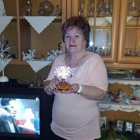Edit, 75 éves társkereső nő - Budapest