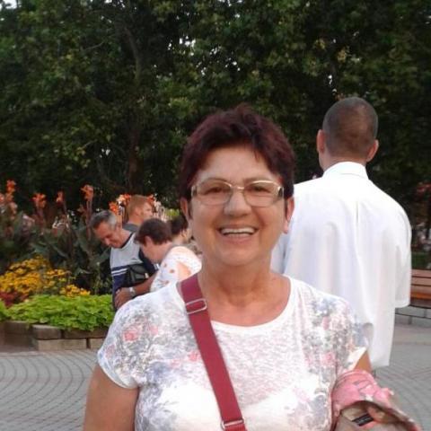 Zsuzsa, 63 éves társkereső nő - Nyíregyháza