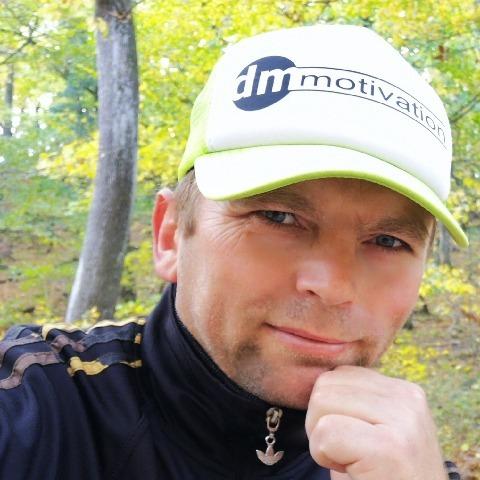 Miki, 45 éves társkereső férfi -