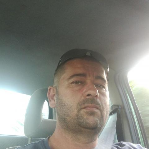 Tibor, 46 éves társkereső férfi - Eger