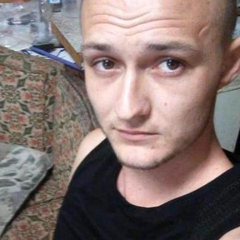 Laci, 24 éves társkereső férfi - Dég