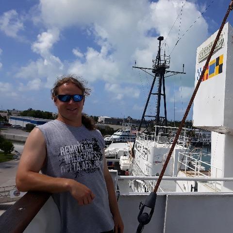 Zoltan, 29 éves társkereső férfi -