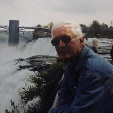 Menyhért, 70 éves társkereső férfi - Szeged