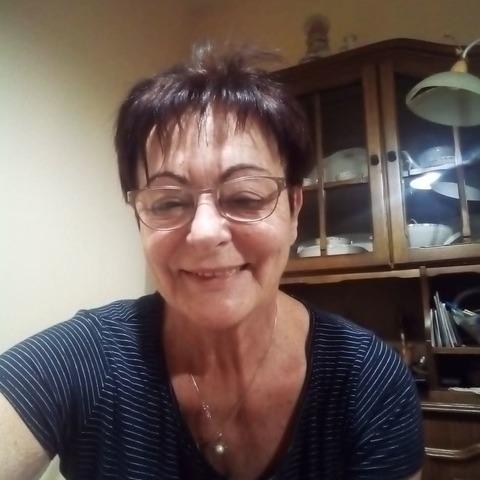 Eszter, 69 éves társkereső nő - Nyíregyháza