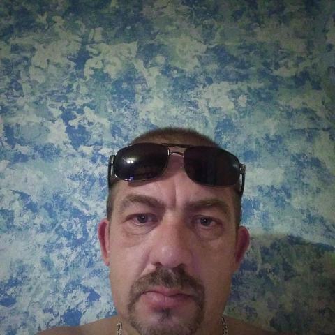 Jeno, 44 éves társkereső férfi - Kisbucsa