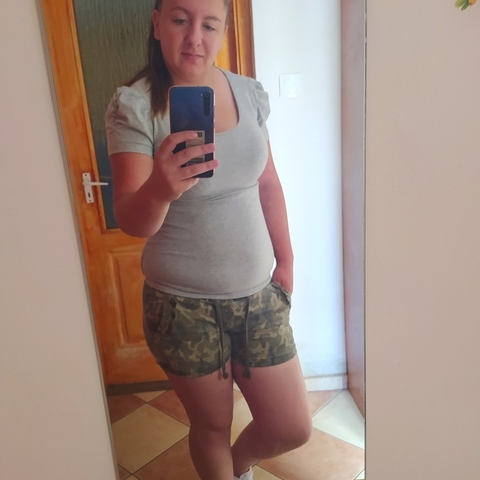 Betti, 25 éves társkereső nő - Törtel