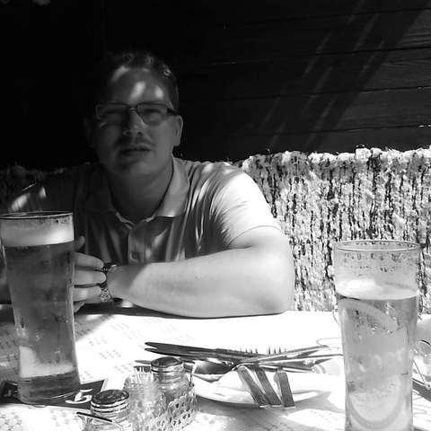 András, 39 éves társkereső férfi - Budapest
