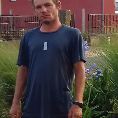 Zsolt, 41 éves társkereső férfi - őr