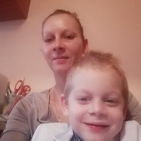 Hajnalka, 34 éves társkereső nő - Debrecen