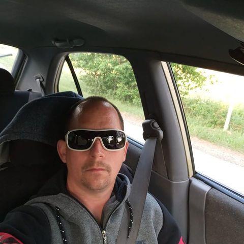 Krisztián, 37 éves társkereső férfi - Bakonykúti