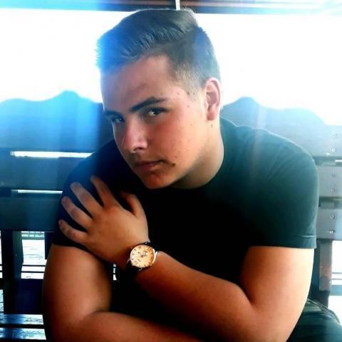 András, 20 éves társkereső férfi - Békéscsaba