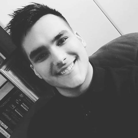 István, 19 éves társkereső férfi - Dunaújváros