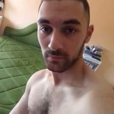 Dezső, 23 éves társkereső férfi - Litke