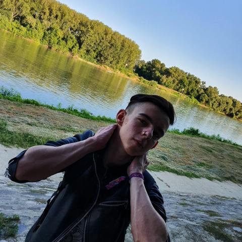 József, 20 éves társkereső férfi - Szeged