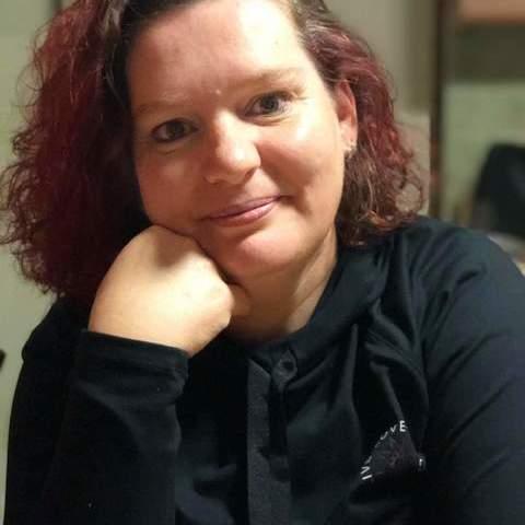 Szilvi, 44 éves társkereső nő - Előszállás