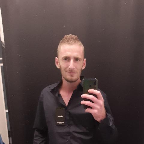 Imre, 31 éves társkereső férfi - Újfehértó