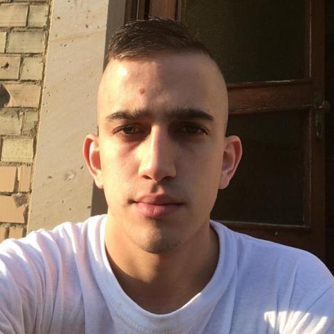 Ferenc, 22 éves társkereső férfi - Báta