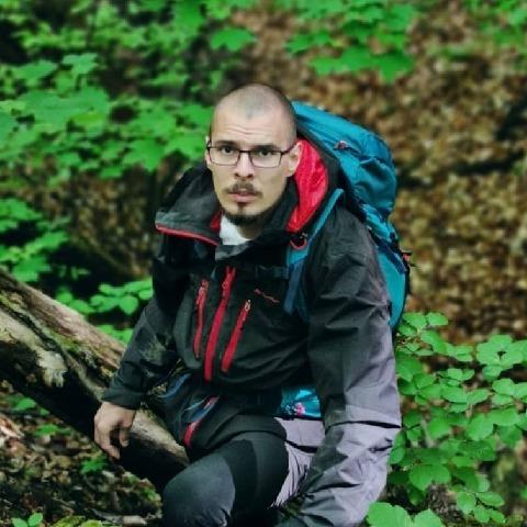 Balázs , 25 éves társkereső férfi - Eger