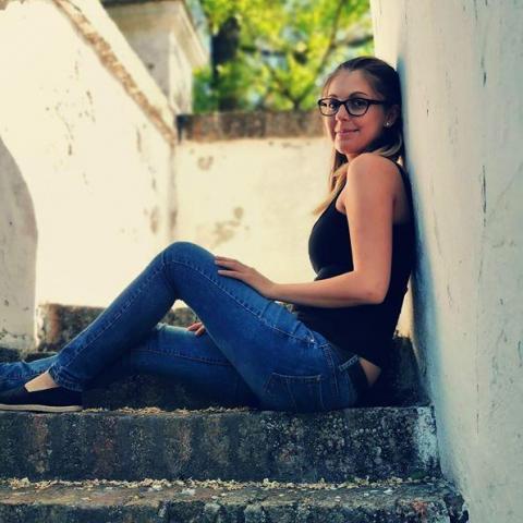 Julcsi, 24 éves társkereső nő - Decs